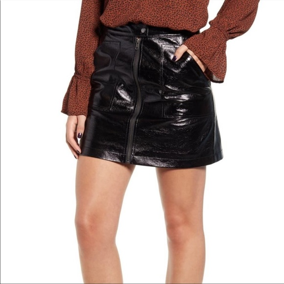 NWT Minkpink Coyote Faux Patent Leather Mini Skirt